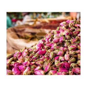 Berbera design- roses de damas séchées dans souk à marrakech